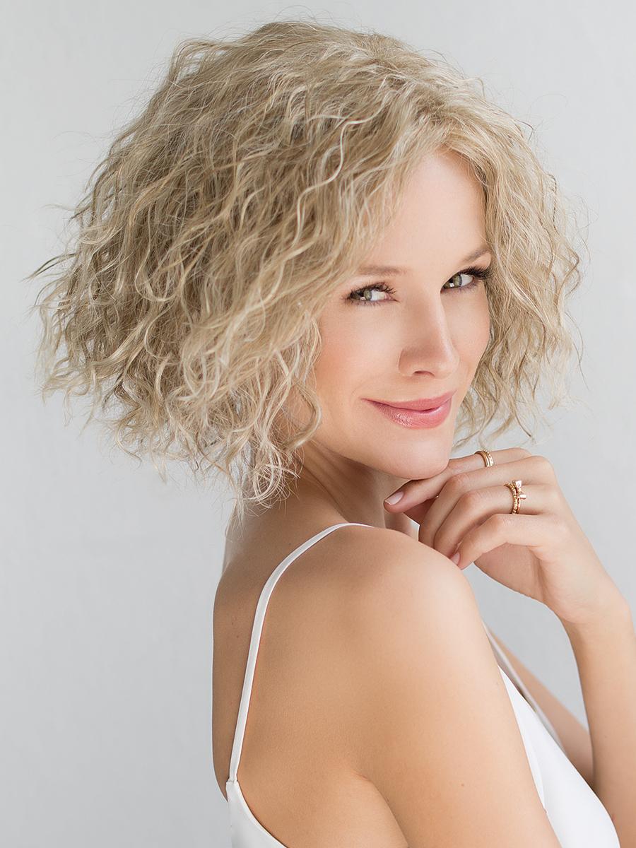 perucci hair piece - wiki